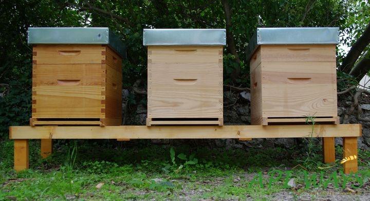 Support de ruches en bois pour abeilles